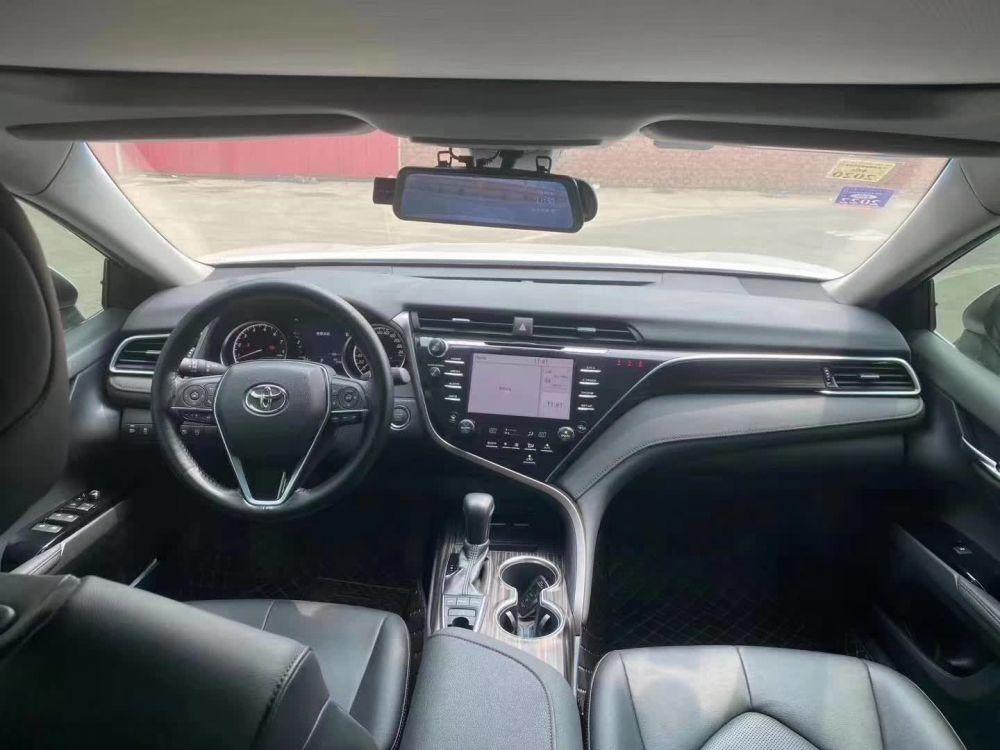 18年最新款丰田凯美瑞2.5s最顶配