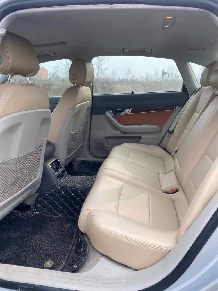 12年奥迪A6 2.4L V6 自动挡天窗