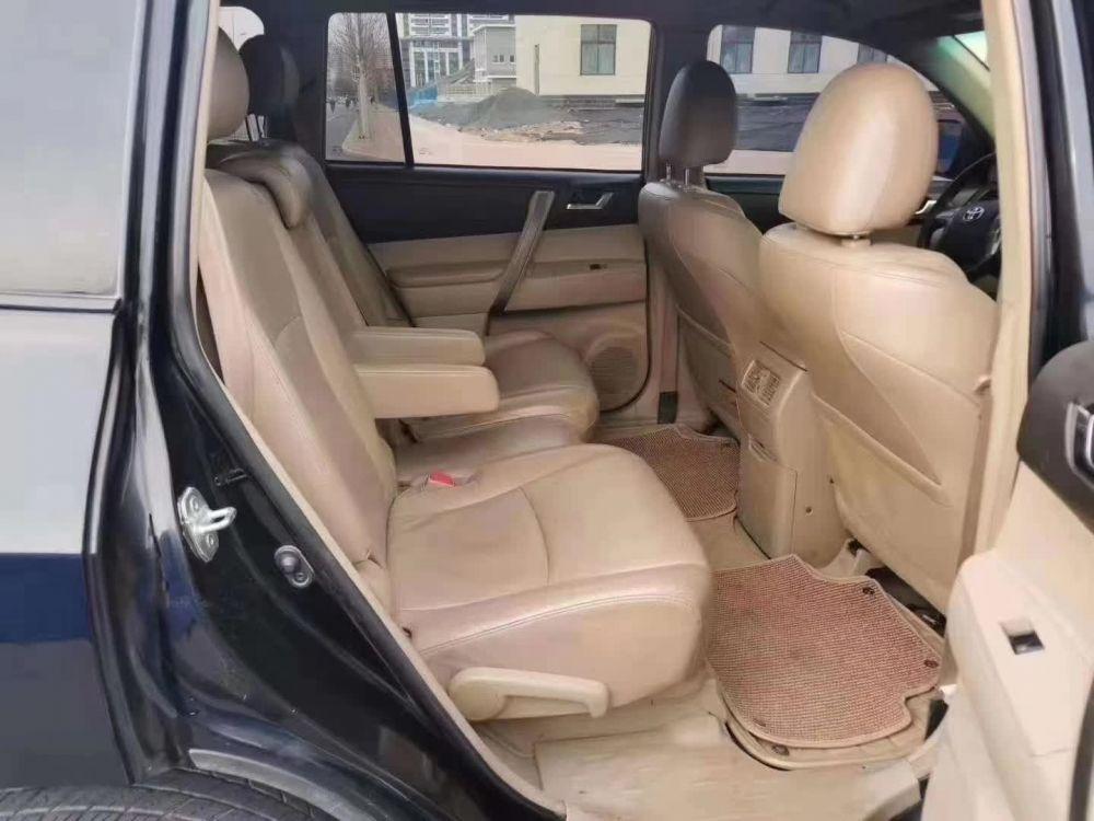 丰田 汉兰达 2011款 汉兰达 2.7L 自动 两驱豪华版 7座