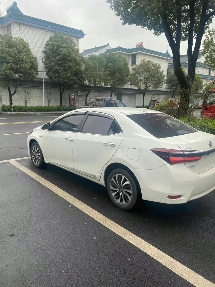 丰田 卡罗拉双擎E+ 2019款 卡罗拉双擎E+ 1.8L 豪华版