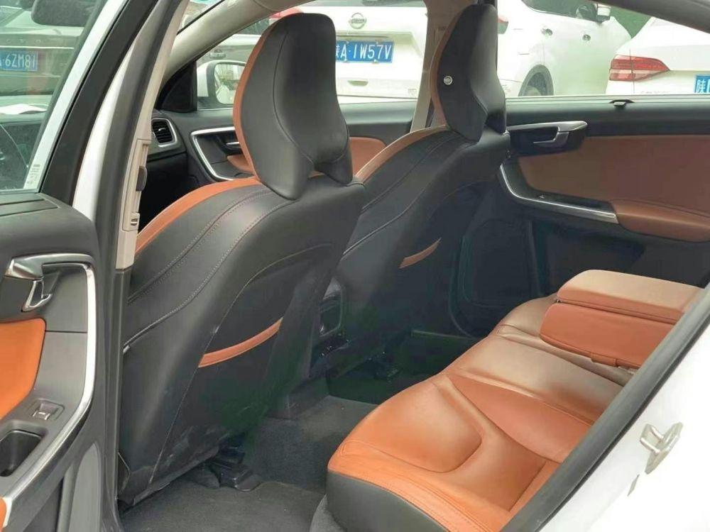 19年4月沃尔沃S60L 2.0T E驱混动 T6智驭版沃尔沃S60