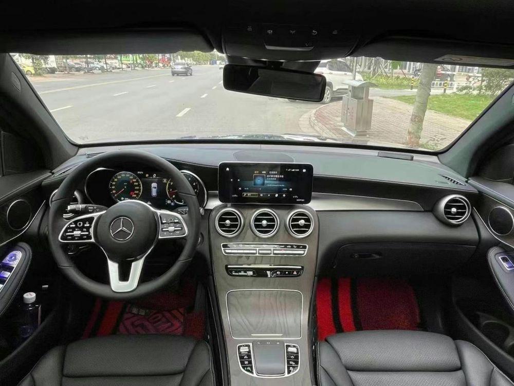 20年末新款奔驰GLC300L 动感型