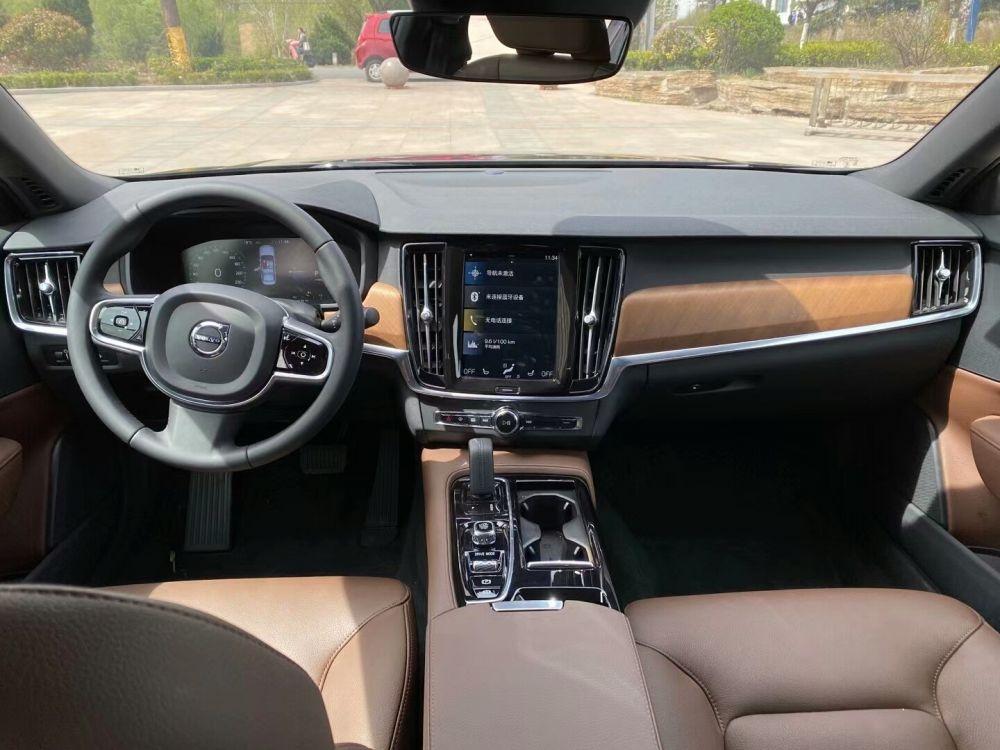 沃尔沃XC90新能源(进口) 2021款 沃尔沃XC90新能源(进口) E驱混动 T8 智尊豪华版