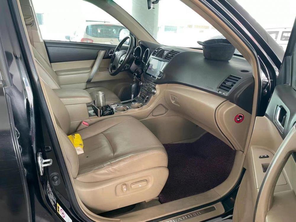丰田 汉兰达 2012款 汉兰达 3.5L 豪华型 7座 四驱