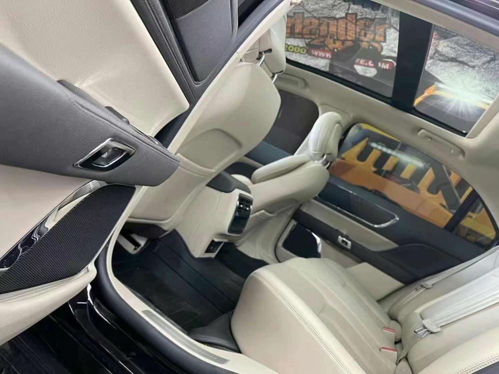 林肯大陆(进口) 2020款 林肯大陆(进口) 2.0T 两驱MONO限量尊耀版 MONO WHIT