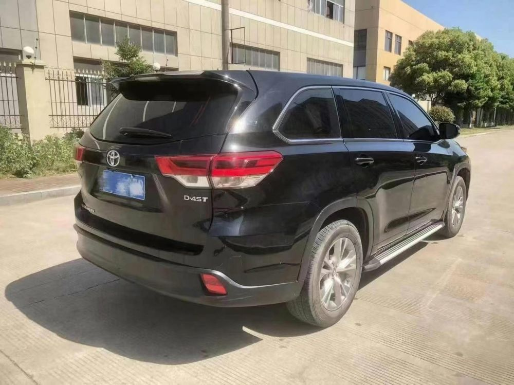 丰田 汉兰达 2018款 汉兰达 2.0T 四驱尊贵版 7座 国VI