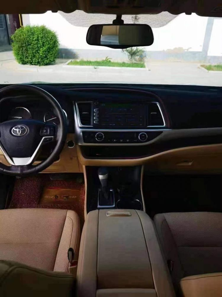 16年新款汉兰达,2.0T四驱七座顶配丰田 汉兰达