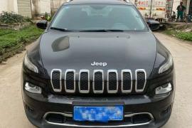 17年Jeep自由光,2.4L两驱顶配Jeep 自由光抵押车