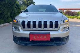 17年Jeep自由光,2.4高配!Jeep 自由光抵押车