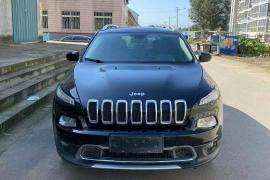 16年jeep自由光 2.4四驱高配Jeep 自由光(进口)抵押车